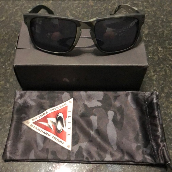 5415480fc Oakley Accessories | Sunglasses | Poshmark
